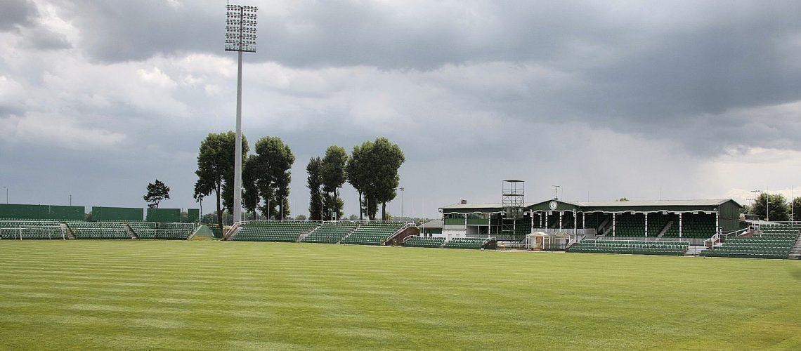 Stadion zachmurzony